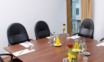 Boardroom-Meeting-in-Clayton-Hotel-Limerick-Phoenix-meeting-room