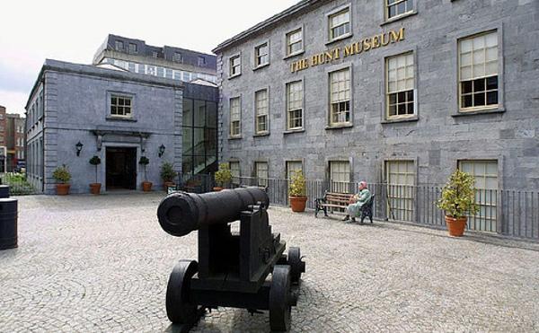 Hotel near Hunt Museum